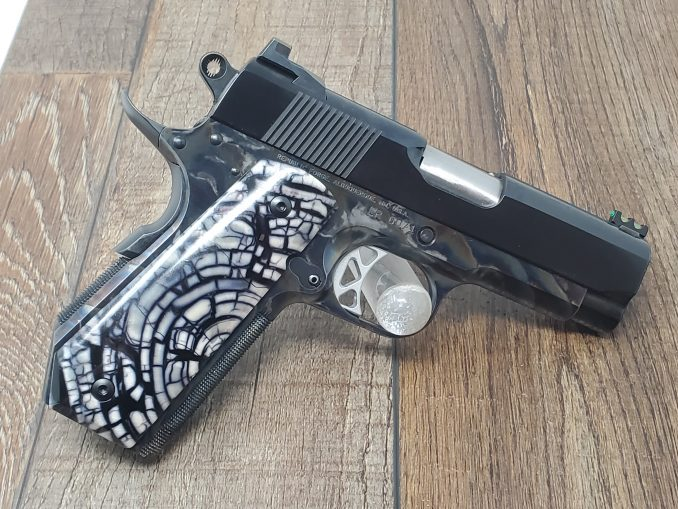 9MM Defiant with Cross-Cut Mammoth and Blued Slide on Color Case Frame LR0071